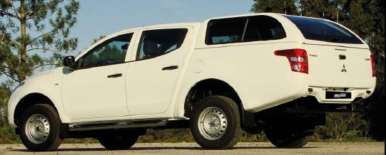STAR-LUX - MITSUBISHI L200 TRITÓN 2015 - doble cabina