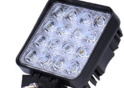 Faro trabajo LED cuadrado 48W