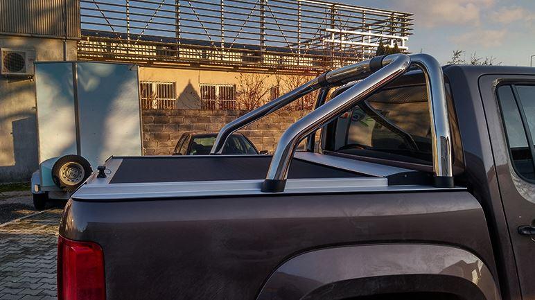 CUBIERTA ENROLLABLE VOLKSWAGEN AMAROK (2010-…) COMPATIBLE CON ROLLBAR ORIGINAL VW- DOBLE CABINA (Acabado Aluminio)